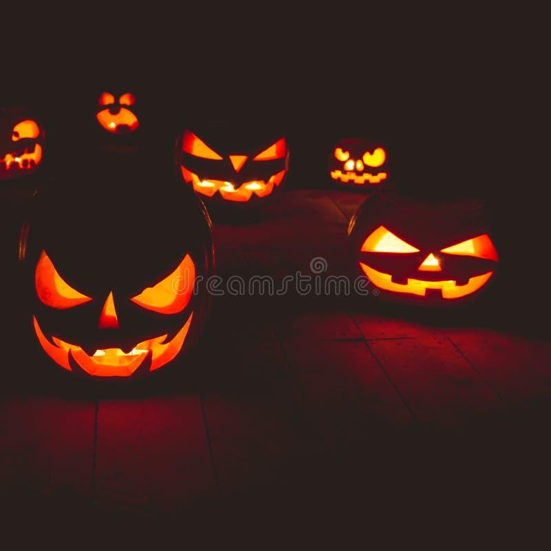 Het concept Halloween Velen het gloeien vurig licht boos eng p royalty-vrije stock fotografie