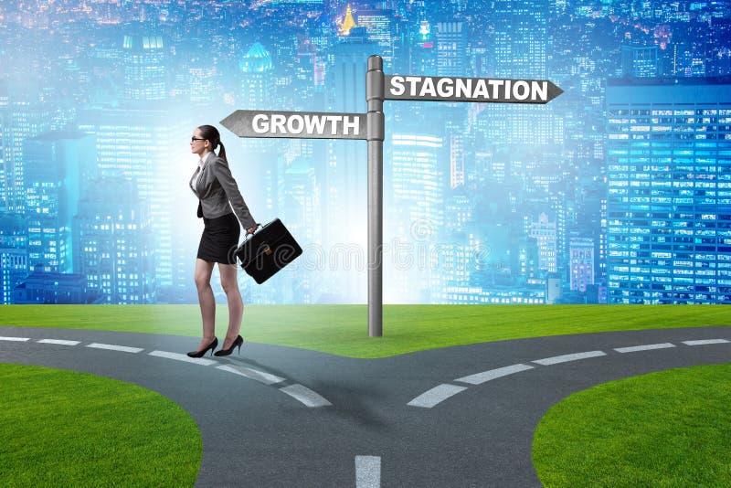 Het concept keus tussen de groei en stagnatie stock fotografie
