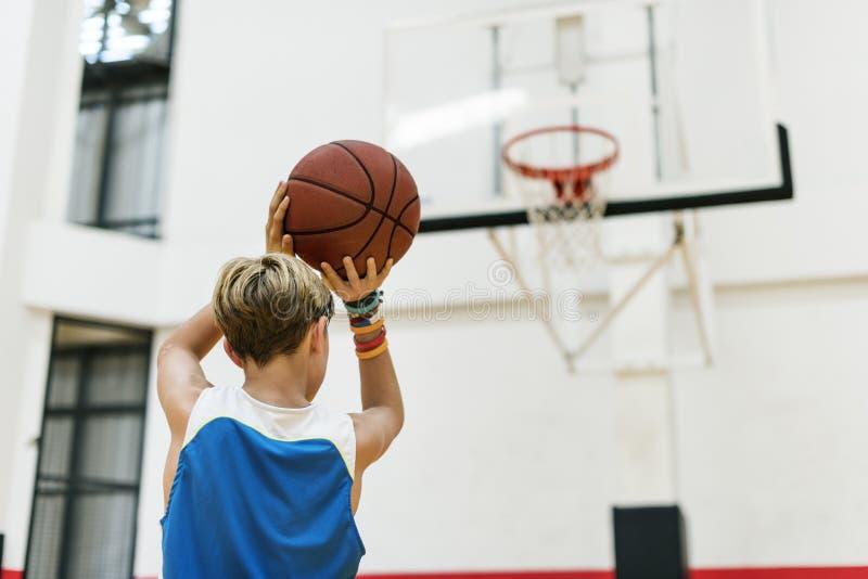 Het Concept van Basketball Bounce Sport van de busatleet stock foto