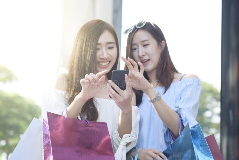 Het concept van het bedrijfs het winkelen situatieidee stock foto