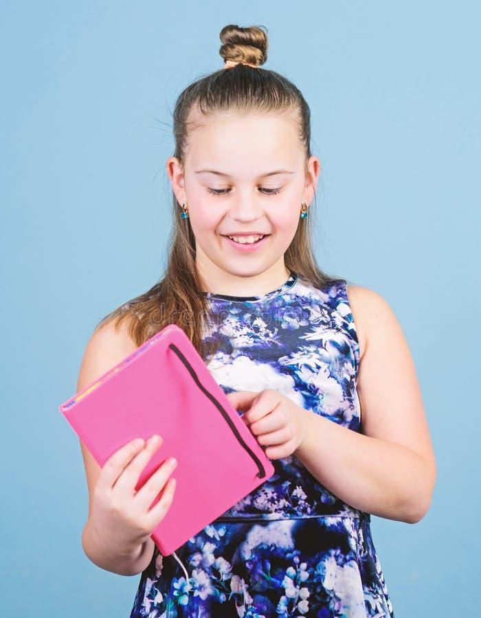 Het concept van het dagboek voor meisjes Noteer geheimen in schattig girale dagboek Hier geheimen bewaren Haar geheimen bewaren royalty-vrije stock foto's