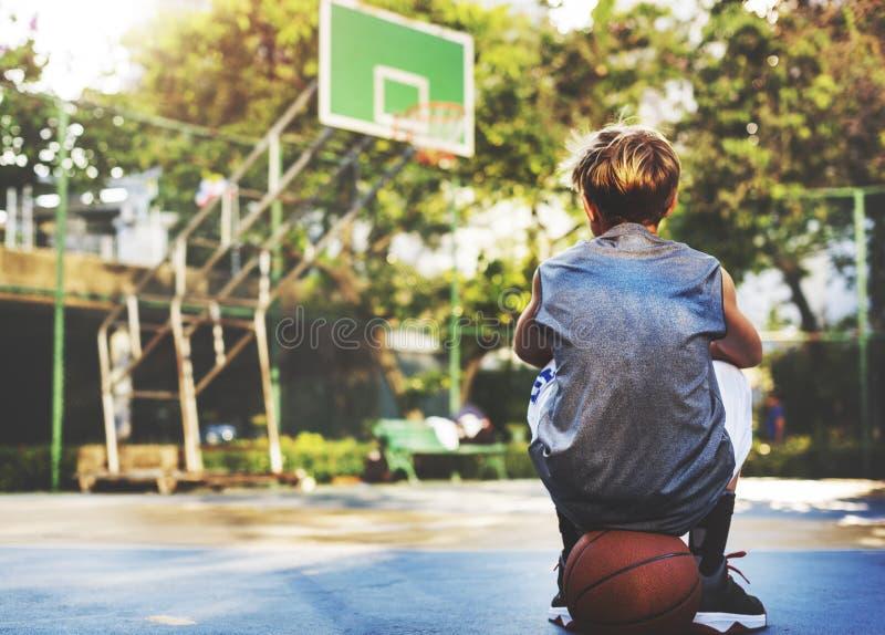 Het Concept van de Atletenexercise sport stadium van de basketbalspeler stock foto