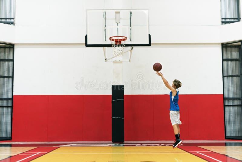 Het Concept van de Atletenshooting sport playing van de basketbalarena royalty-vrije stock foto
