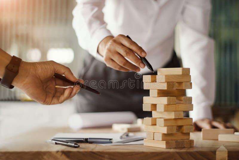 Het concept van de bouw Architecturale projectingenieurs stock fotografie