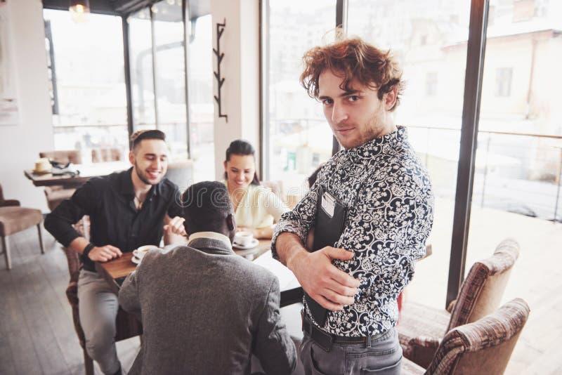 Het Concept van de de Brainstormingsvergadering van het startdiversiteitsgroepswerk Rapportdocument het bedrijfs van Team Coworke royalty-vrije stock foto