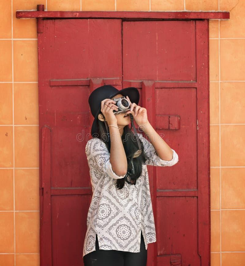 Het Concept van de de Hobbyrecreatie van fotograaftravel sightseeing wander stock foto