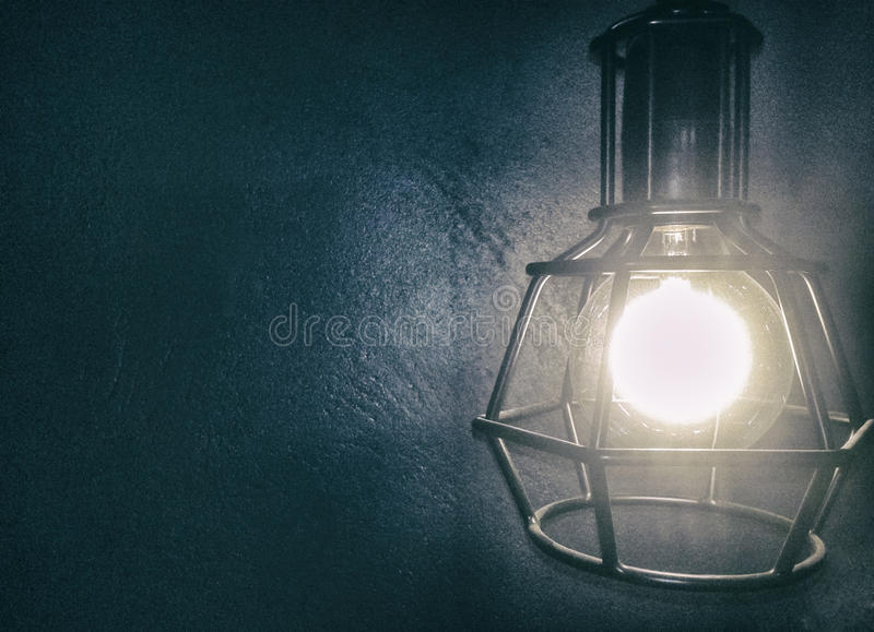 Het concept van de ideeverlichting Gloeilamp  royalty-vrije stock afbeelding