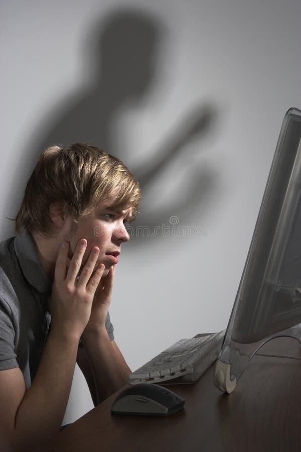 Het Concept van de Intimidatie van Cyber stock foto's