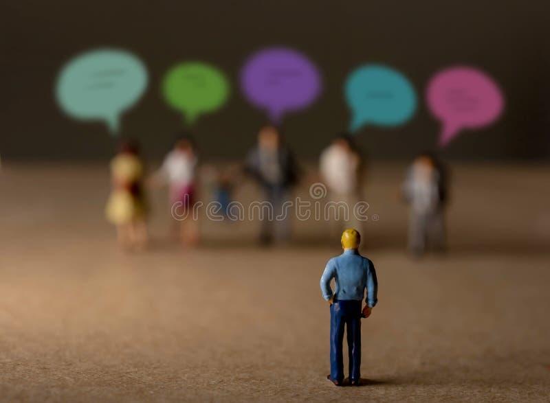 Het Concept van de klantenervaring heden door Miniatuurcijfer van Busi royalty-vrije stock afbeeldingen