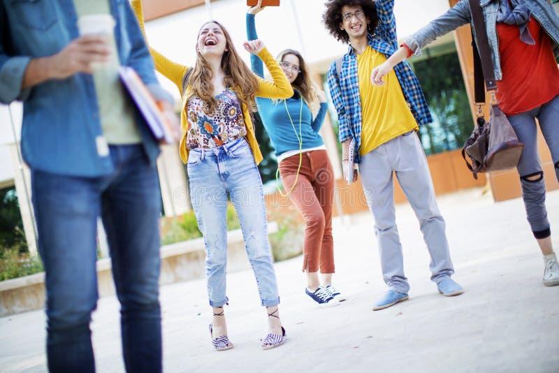 Het concept van de vriendschapsstudenten van tienersvrienden royalty-vrije stock foto