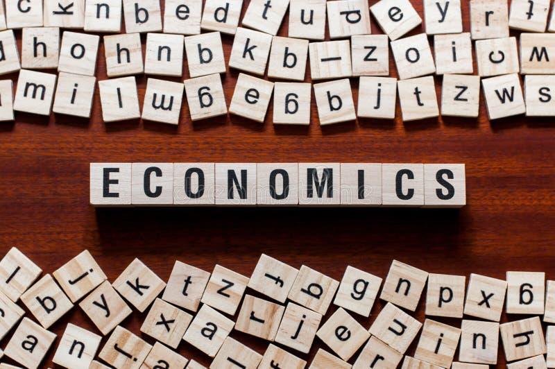 Het concept van het economiewoord stock afbeeldingen