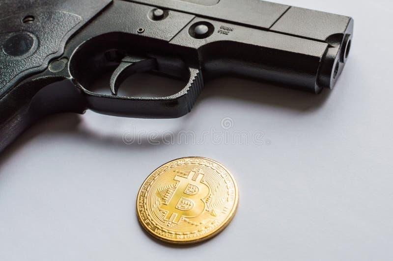 Het concept veiligheid van crypto munt en misdaden met crypto munt royalty-vrije stock afbeeldingen