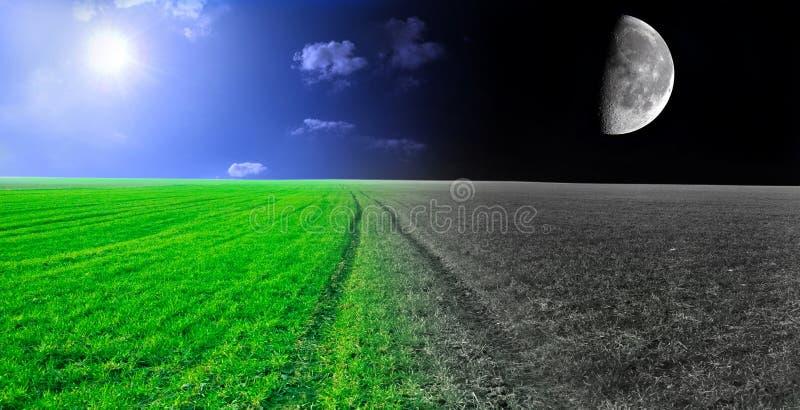 Het conceptuele beeld van de dag en van de nacht. stock afbeelding