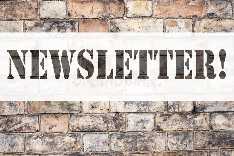 Het conceptuele de titelinspiratie van de aankondigingstekst tonen tekent Bulletin in Bedrijfsconcept voor de Online Mededeling v stock foto