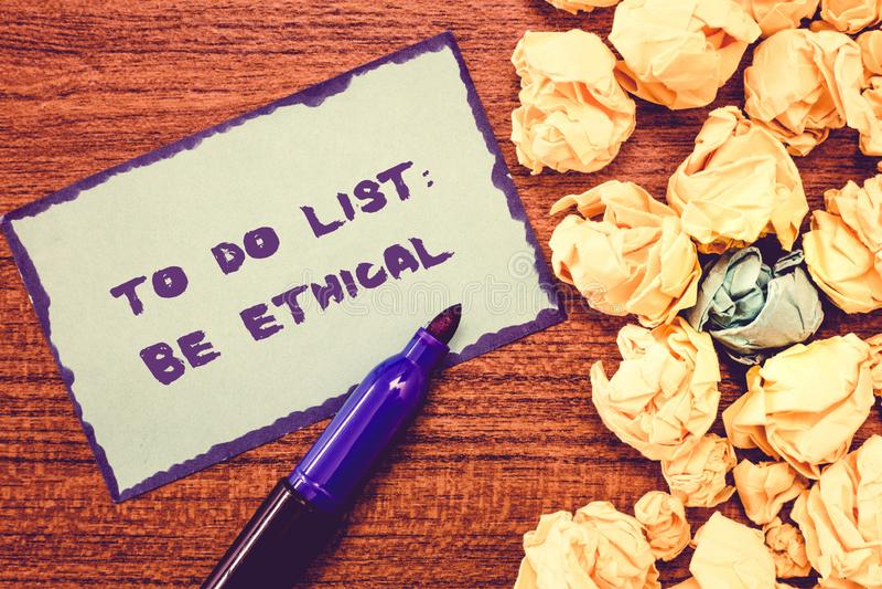 Het conceptuele hand het schrijven tonen om Lijst te doen Ethisch is De bedrijfsfoto demonstratie plant of herinnering die in een stock afbeelding