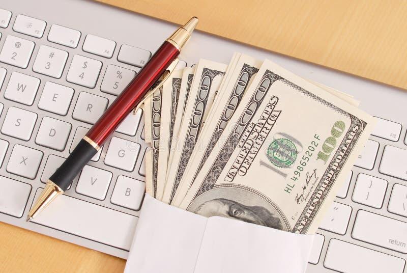 Het Contante geld van Refud van de belasting royalty-vrije stock afbeeldingen