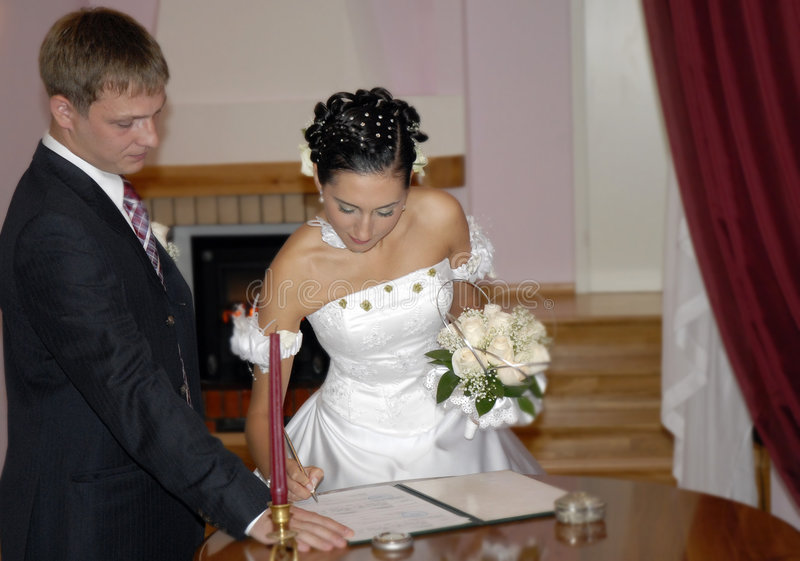 Het contract van het huwelijk royalty-vrije stock afbeeldingen