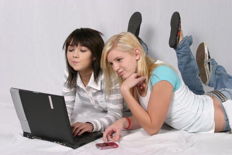 Het controleren van Internet stock afbeelding