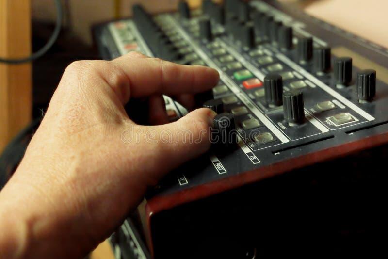 Het creëren van DJ stemt stock foto's