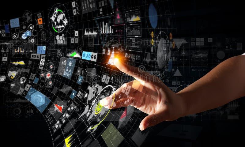 Het creëren van innovatieve technologieën Gemengde media stock fotografie