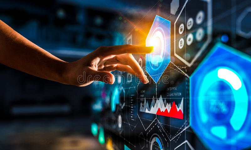 Het creëren van innovatieve technologieën Gemengde media stock afbeelding