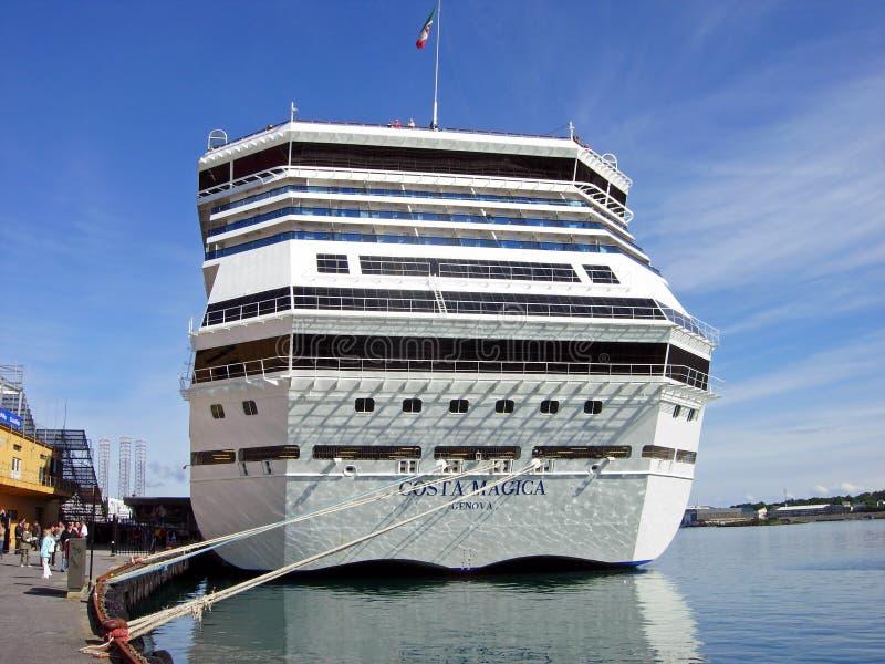 Het cruiseschip Costa Magica heeft in de haven van Stavanger Noorwegen vastgelegd stock afbeelding