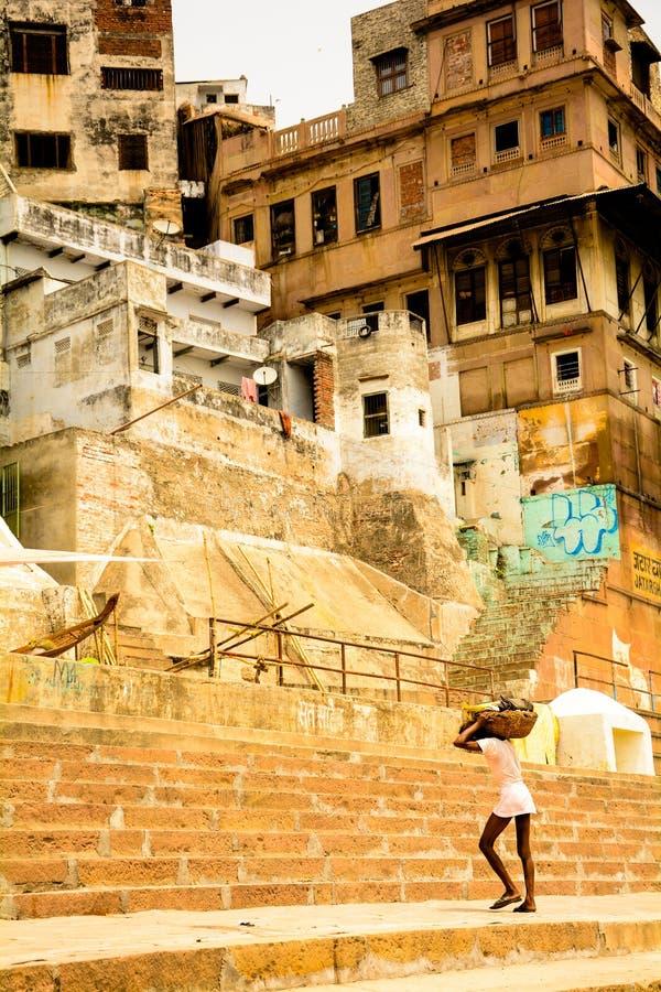 Het dagelijks werkleven in ganga ghat stock foto's
