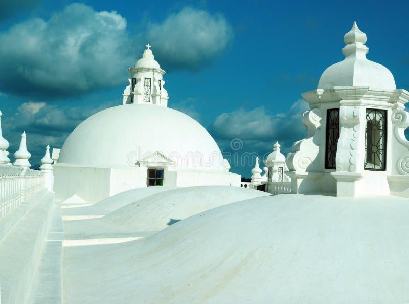 Het dak overkoepelt Kathedraal Leon Nicaragua Central America royalty-vrije stock foto