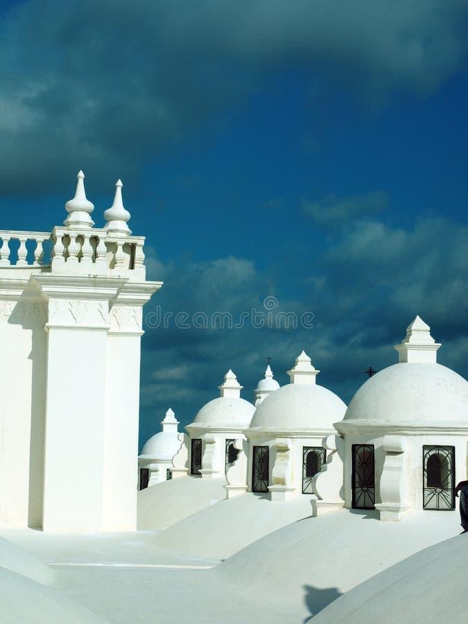 Het dak overkoepelt Kathedraal Leon Nicaragua Central America stock afbeeldingen