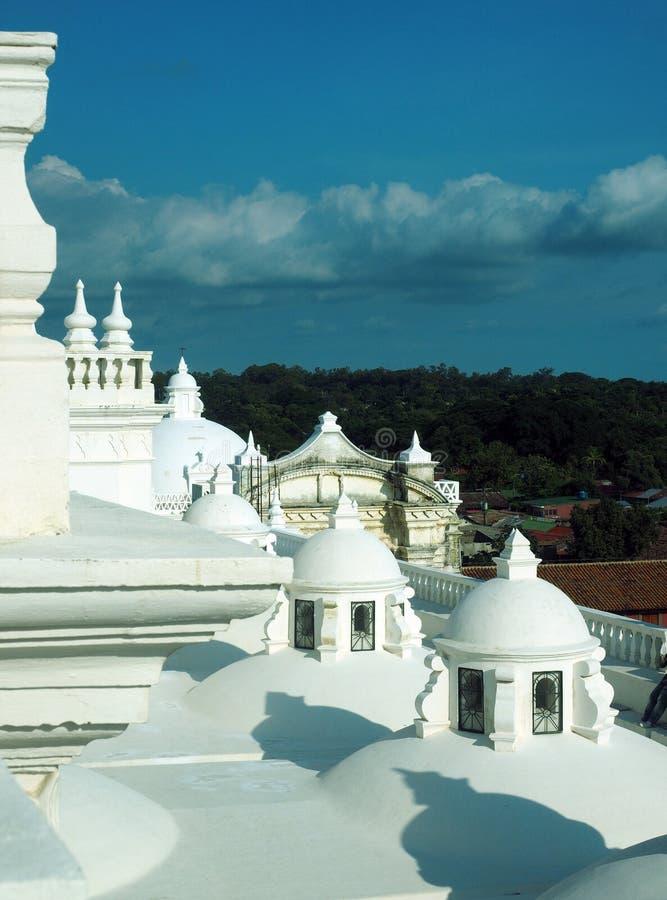 Het dak overkoepelt Kathedraal Leon Nicaragua Central America stock foto's
