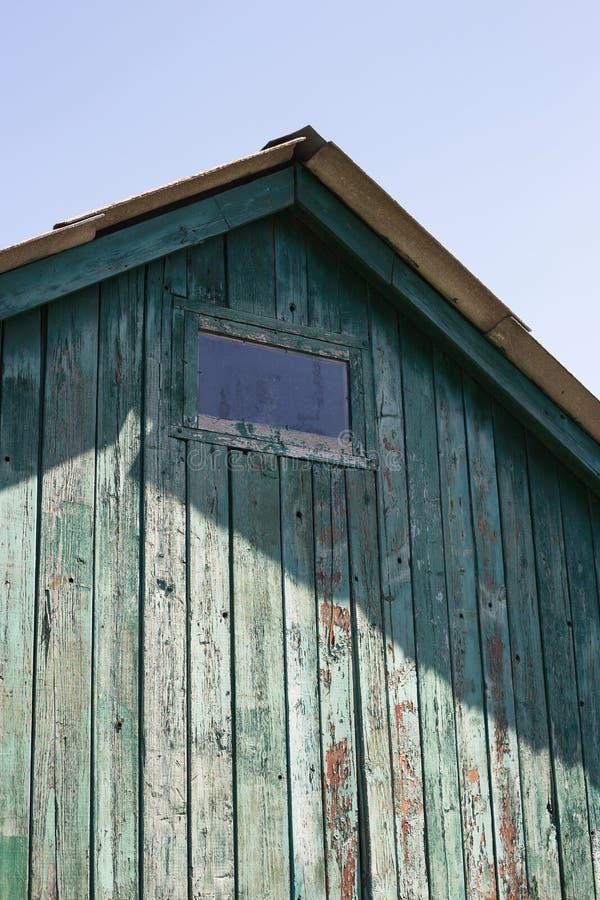 Het dak van een oud huis royalty-vrije stock afbeelding