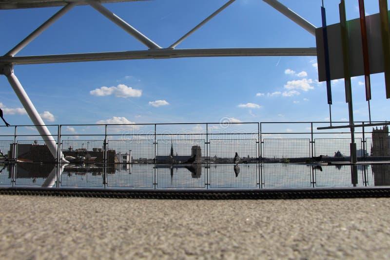 Het dak van Pompidou heeft ook verschillende landschappen royalty-vrije stock afbeeldingen