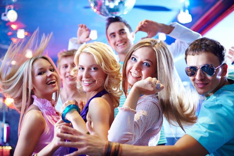 Het dansen bij partij royalty-vrije stock afbeelding