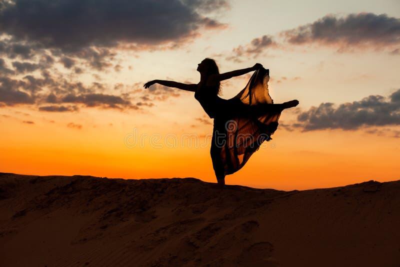 Het dansen cijfer van een vrouw royalty-vrije stock foto's
