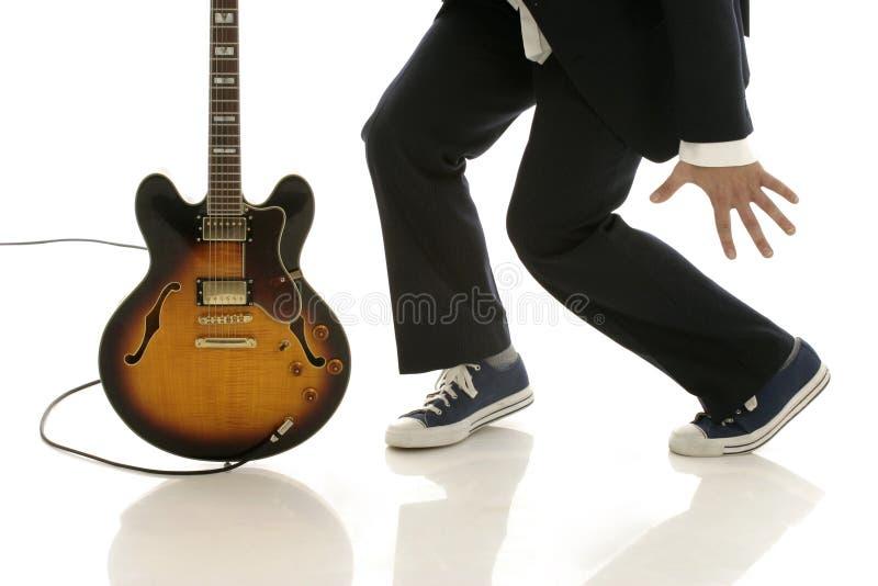 Het dansen met gitaar stock foto's