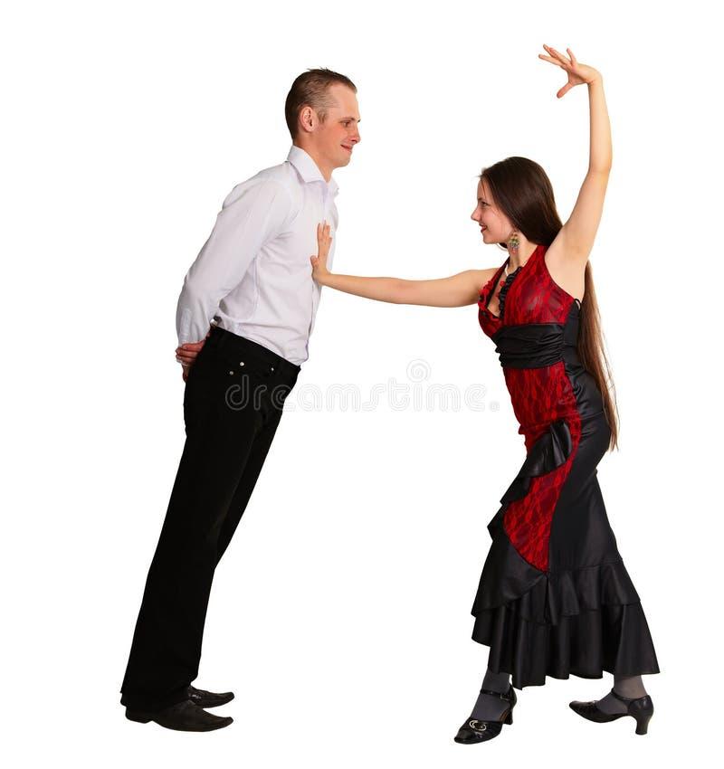 Het dansen van het paar passionately balzaaldans royalty-vrije stock afbeeldingen