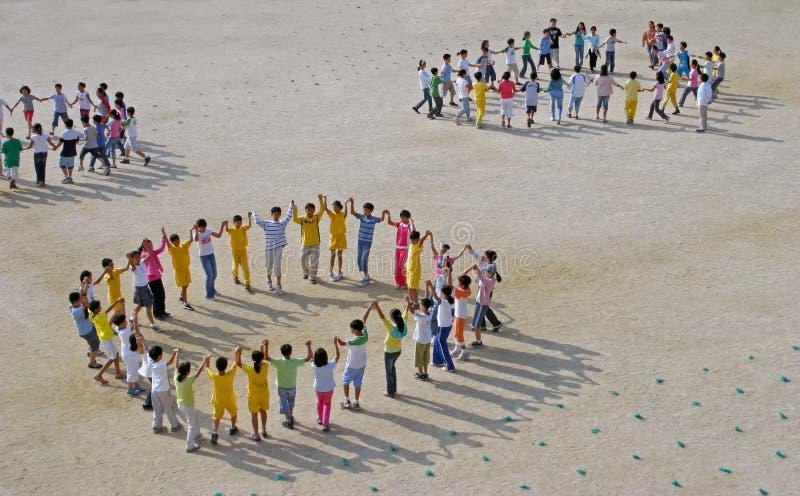 Het dansen van kinderen stock foto