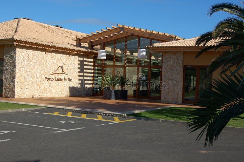 Het de clubhuis van de golfcursus in Porto doet Santo op het Eiland van Madera royalty-vrije stock afbeelding
