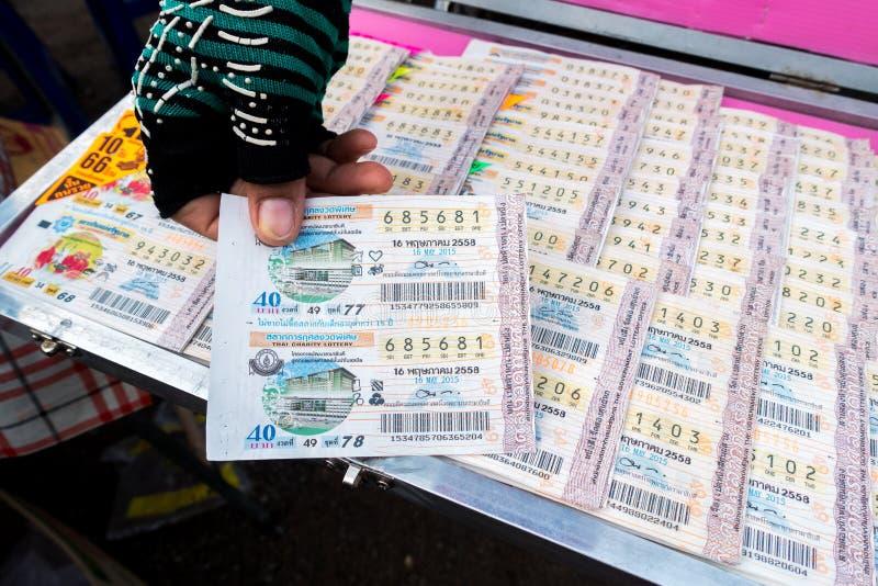 Het de loterijkaartje van Thailand voor verkoopt stock foto's