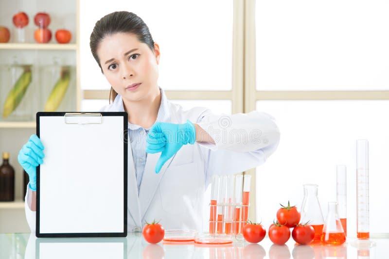 Het de testresultaat van het genetische modificatievoedsel is slecht stock foto