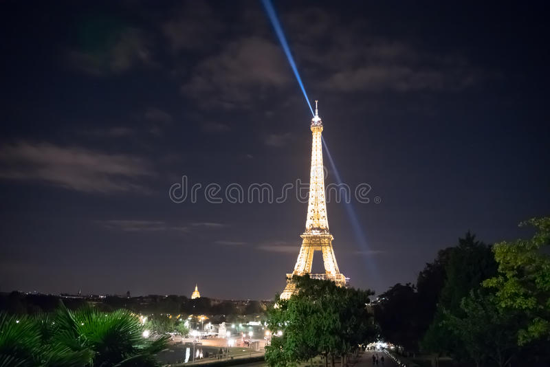 Het de Torenlicht van Eiffel toont royalty-vrije stock foto's