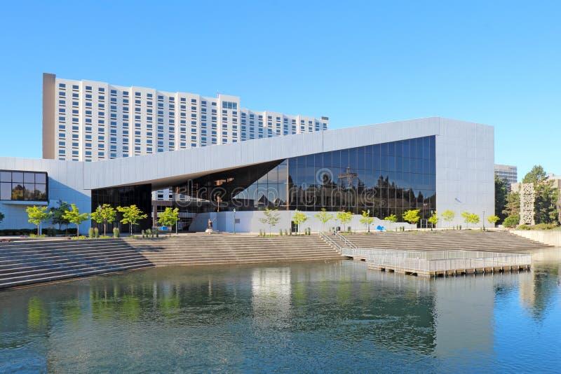Het de Uitvoerende kunstencentrum van INB langs de rivier in Spokane, Washi royalty-vrije stock afbeeldingen