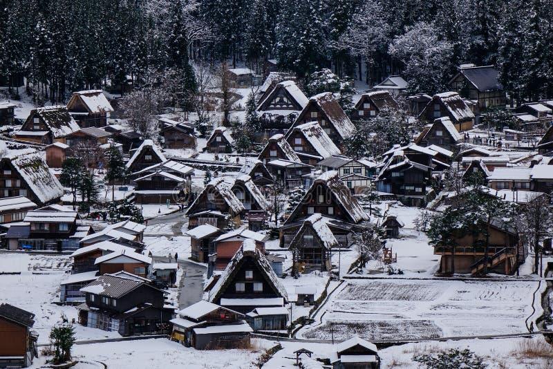 Het de winterlandschap shirakawa-gaat binnen, Japan stock fotografie