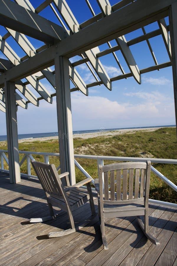 Het dek van Beachfront stock fotografie