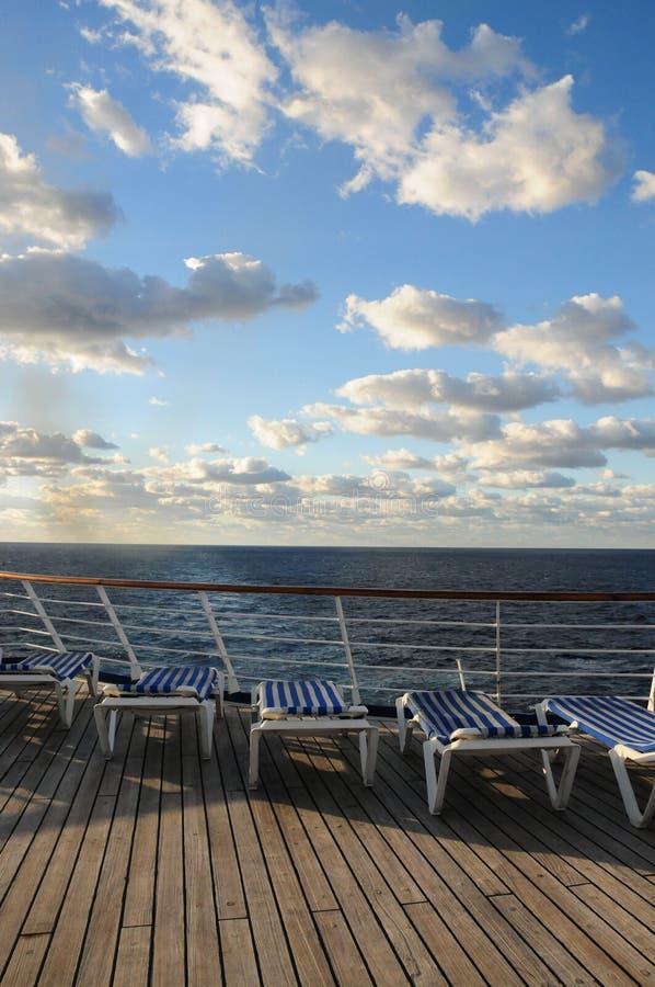 Het Dek van het Schip van de cruise stock afbeeldingen
