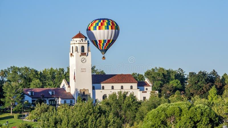 Het depot van de Boisetrein en een hete luchtballon royalty-vrije stock foto's