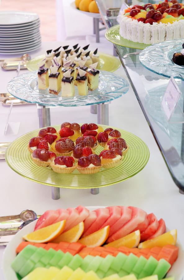 Het dessertdiner van het buffet royalty-vrije stock afbeelding