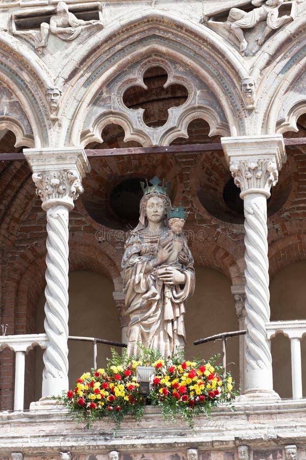 Het Detail van de kathedraal in Ferrara, Italië royalty-vrije stock foto