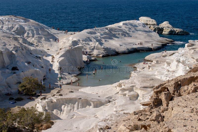Het detail van Griekenland van het Miloseiland van Sarakiniko-Strand in de zomertijd stock fotografie