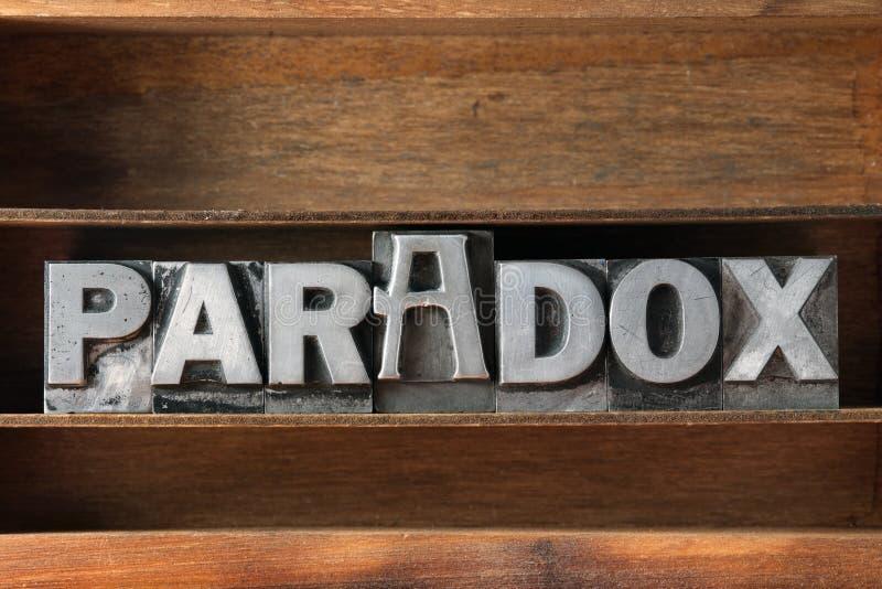 Het dienblad van het paradoxwoord stock foto's